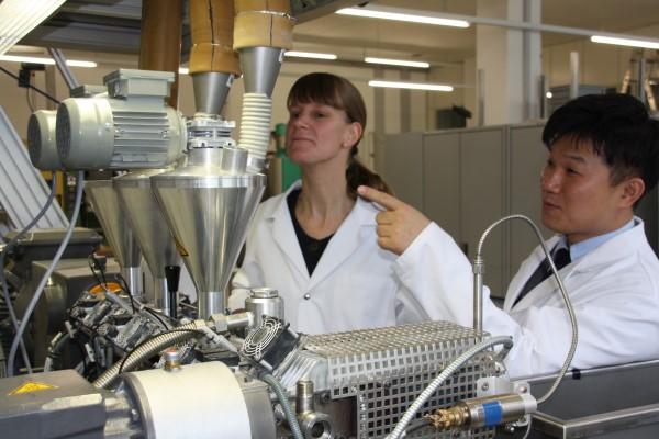 Polymer-Entwicklung / Kunststoffe von Lapp Engineering / 04